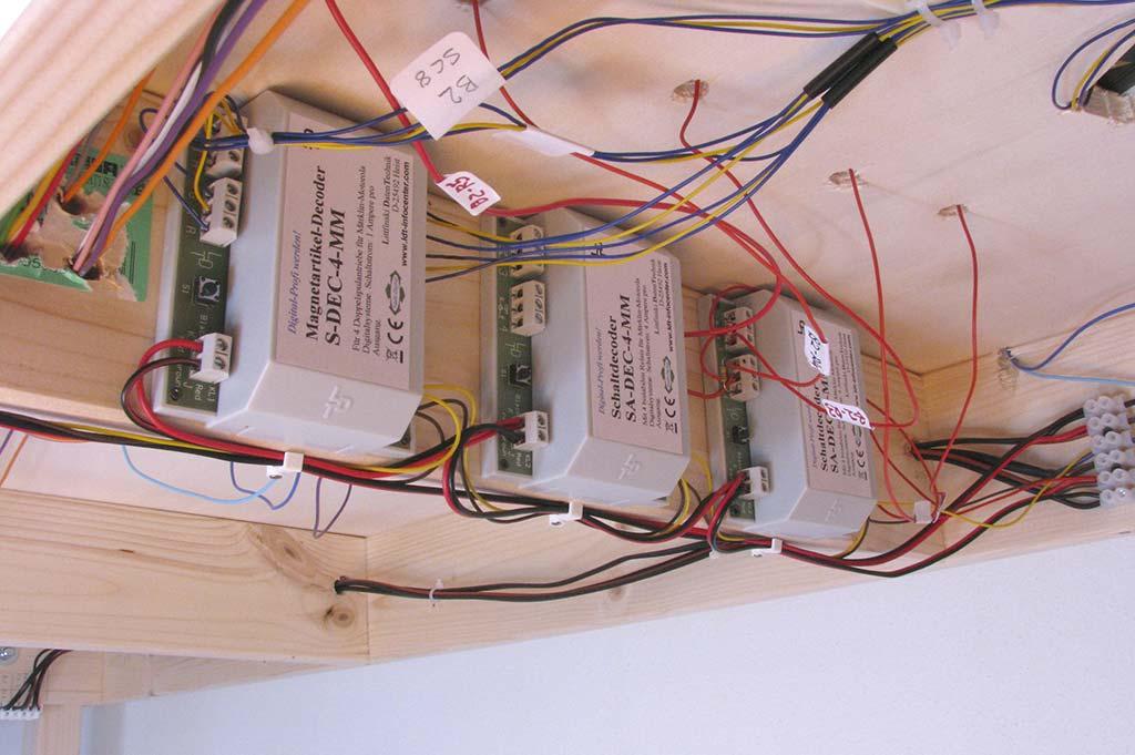 Schema Elettrico Per Plastico Ferroviario : L impianto elettrico del plastico ferroviario buzzaceto