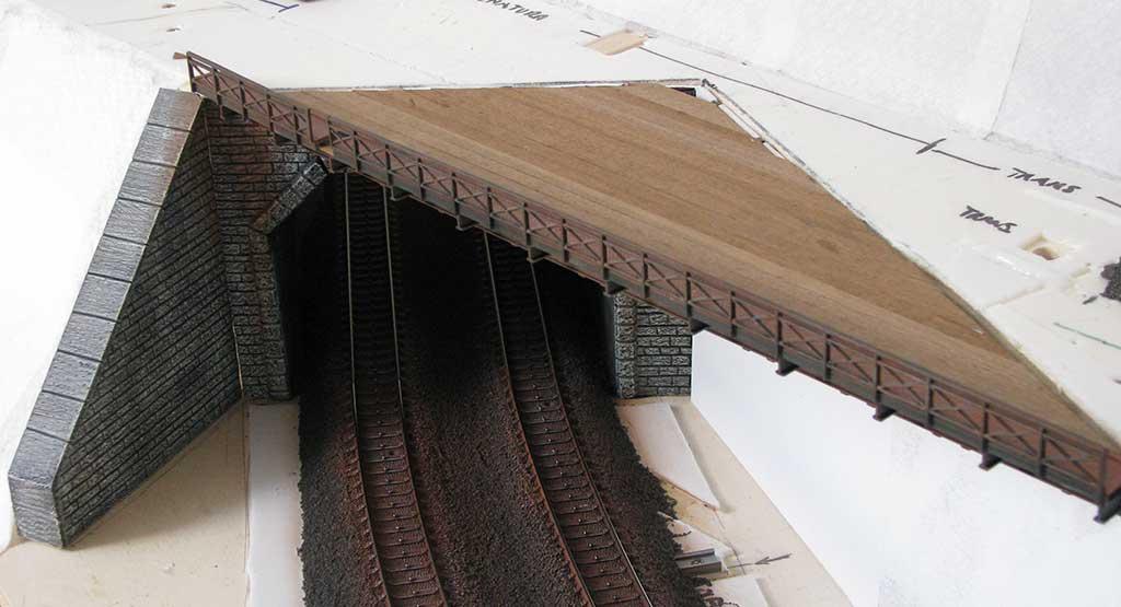 Copertura del ponte in legno