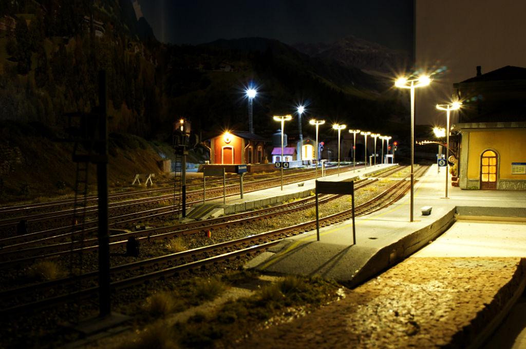 Si accendono le luci in stazione