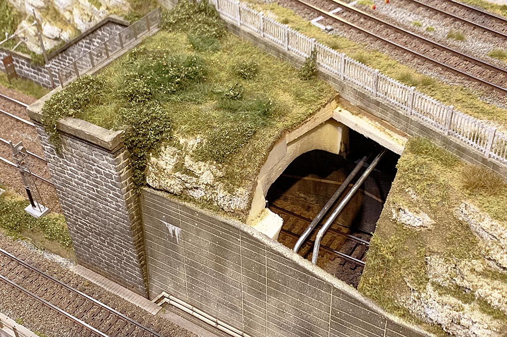 Attacco del filo elastico nei tunnel