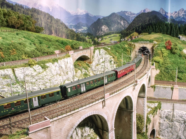 Treno storico Svizzero con Re 4/4