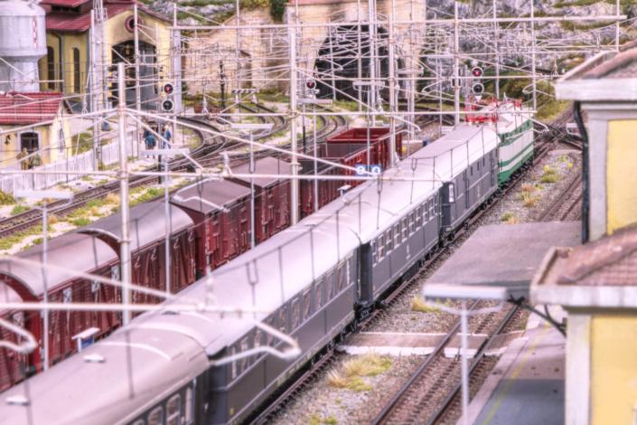 E646 FS in stazione
