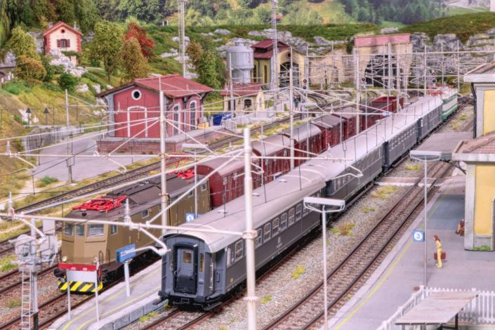 E64 ed E636ferme in stazione